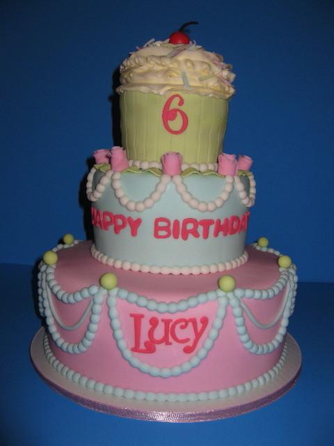 Lucy's Cupcake Birthday Cake