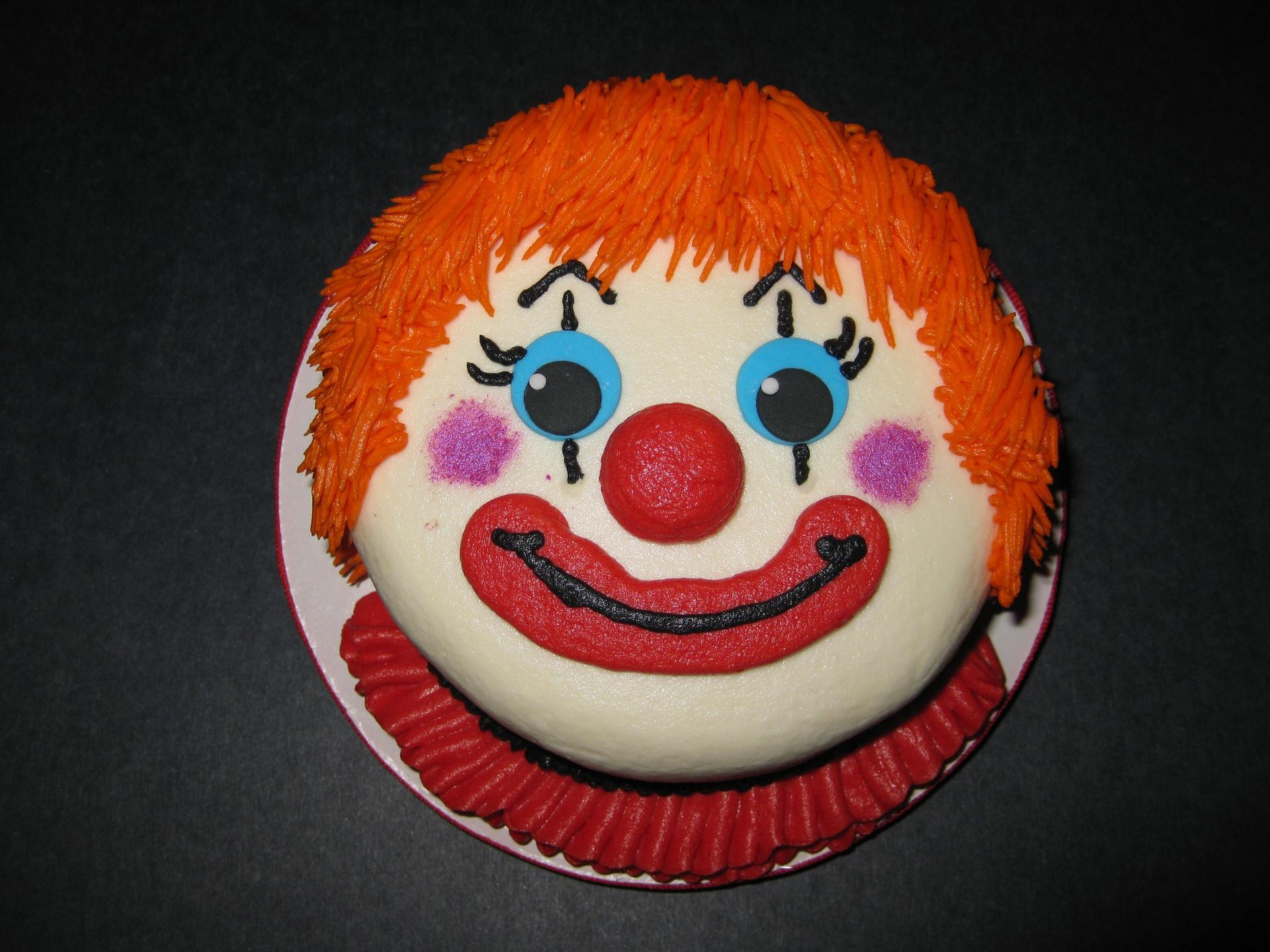 Tenley's Carnival Clown Smash Cake