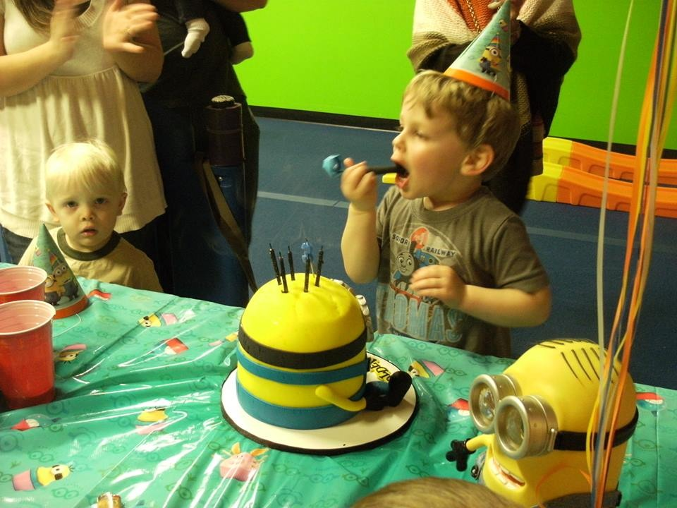 Holden and his Minion cake
