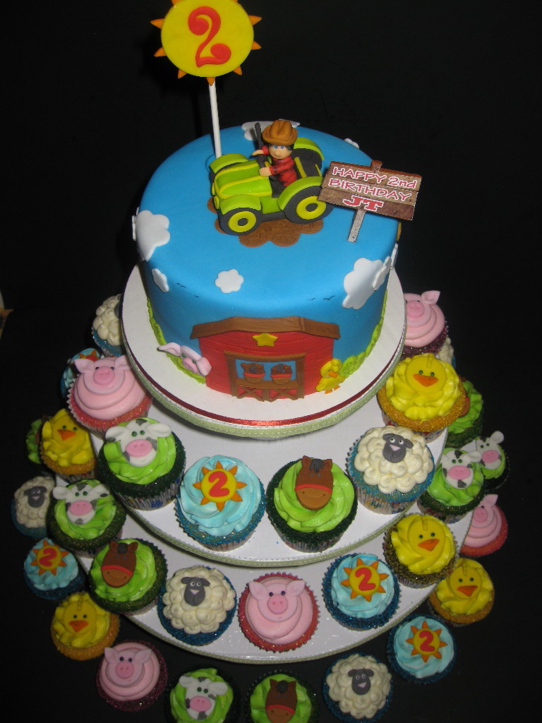 Petting Zoo Cupcake Cakes