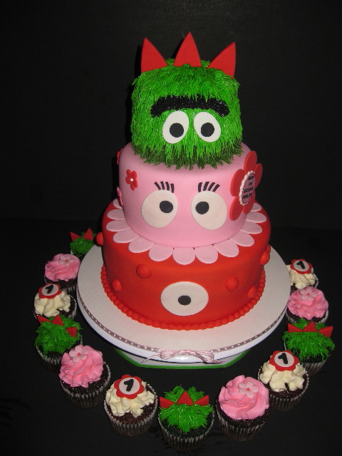 Penelope's Yo Gabba Gabba Cake & Cupcakes