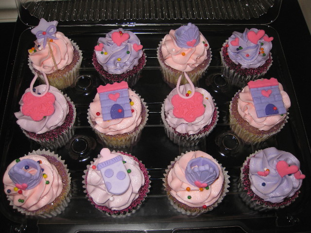 cupcakes in chocolate and vanilla with the princess theme in pinks and