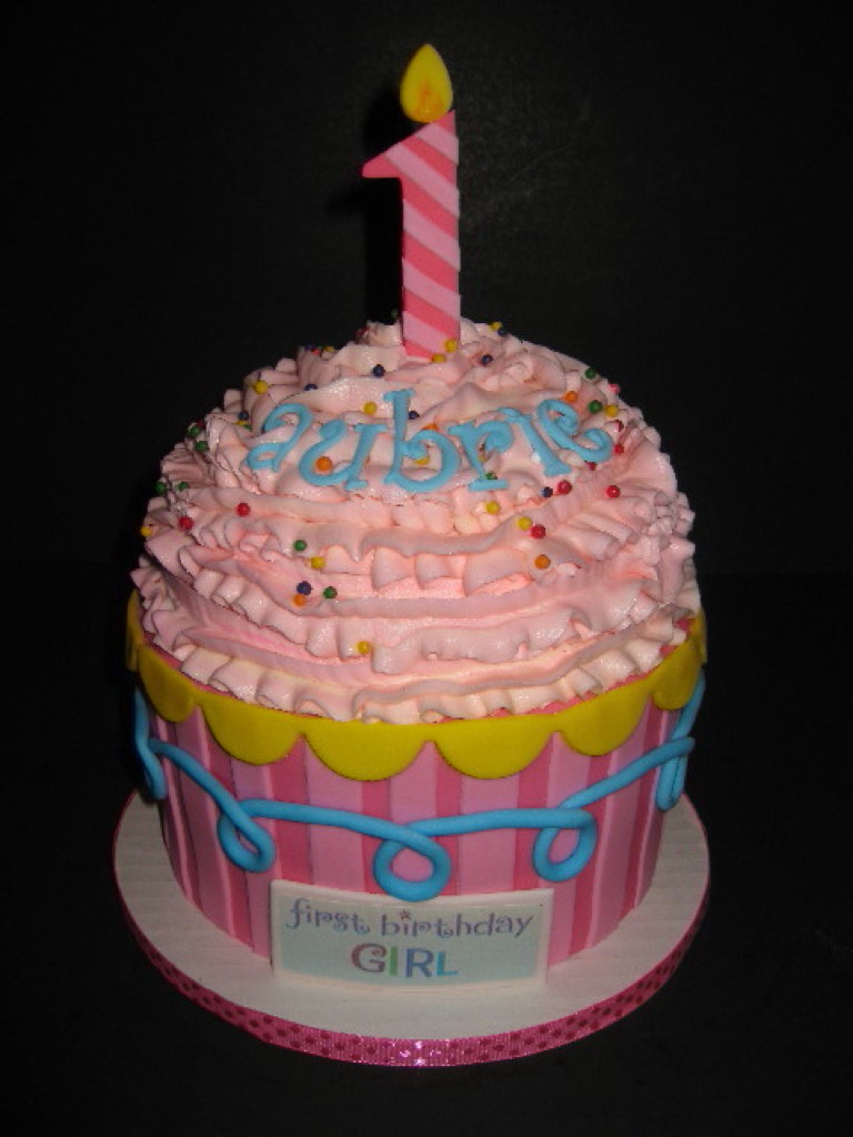 Aubrie's Big Cupcake Cake