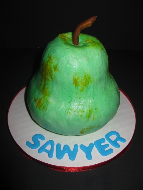 The Very Hungry Caterpillar 'pear' Smach Cake