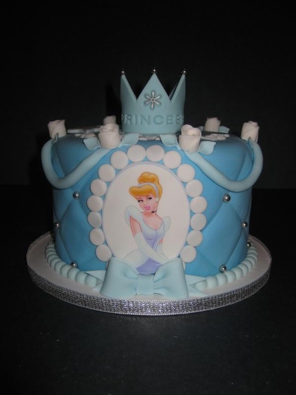 Mariyahs Cinderella Cake