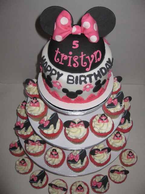 Tristyn S Minnie Mouse Cake Cupcakes